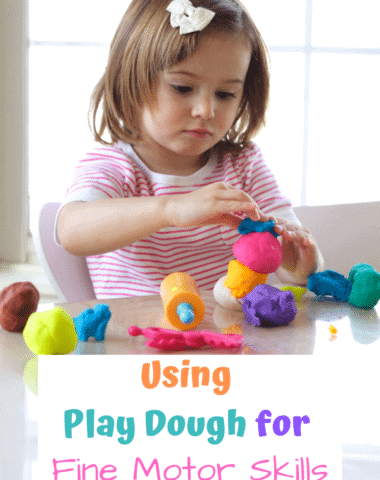 Discover fun fine motor activities to do with play dough that will develop your child's fine motor skills. #finemotor #play #playdough #playdoh #preschool #finemotoractivities